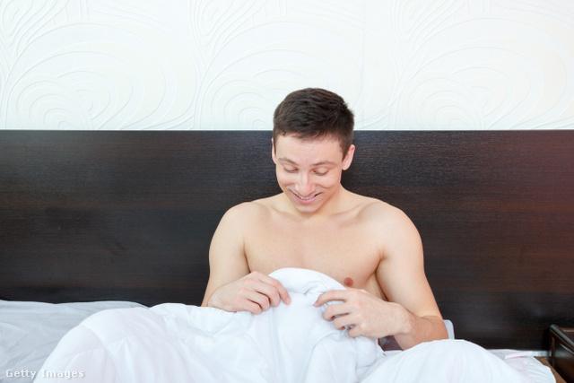 éjszakai erekció nővel)