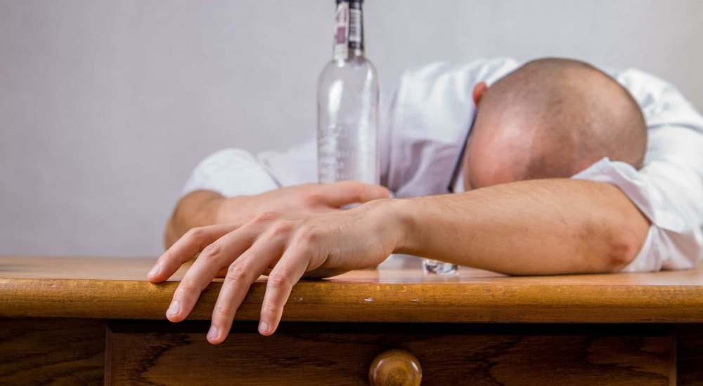 amikor részeg gyenge merevedés)