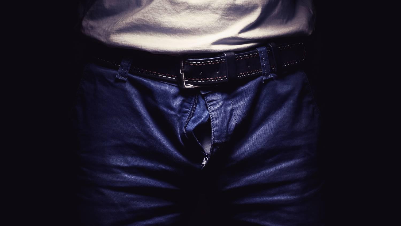 mit lehet tenni az ember péniszével)