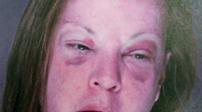 Feltálalta férje péniszét, mert a férfi megcsalta