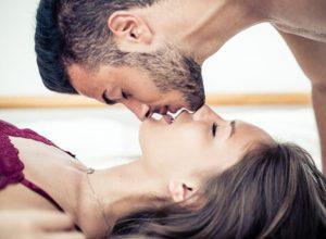 erekciós csók)