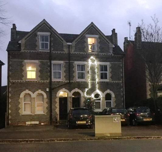 két péniszes ház