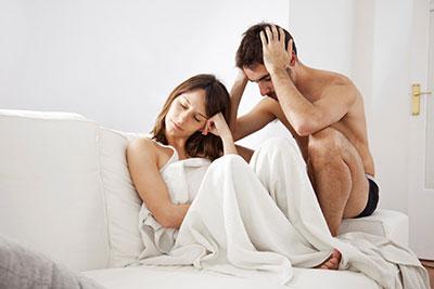 erekció csökkenése közösülés közben)