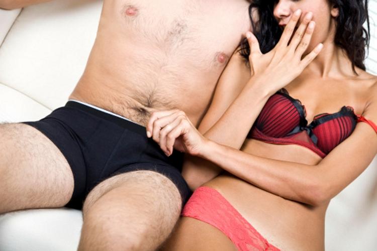 Ezek a legjobb pózok a különböző péniszméretekhez | Az online férfimagazin