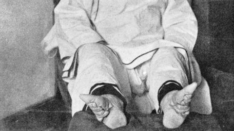 pénisz hossza és a lába