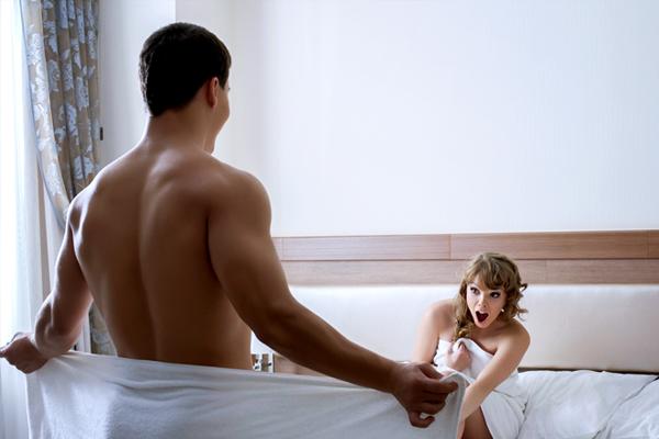 pénisz férfi és nő a herék befolyásolják az erekciót