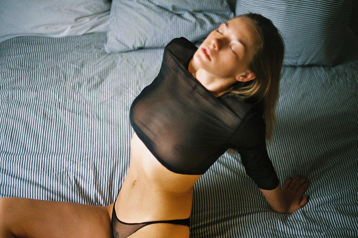 erekció a nők fotóin gyenge vizeletáramlás és gyenge erekció