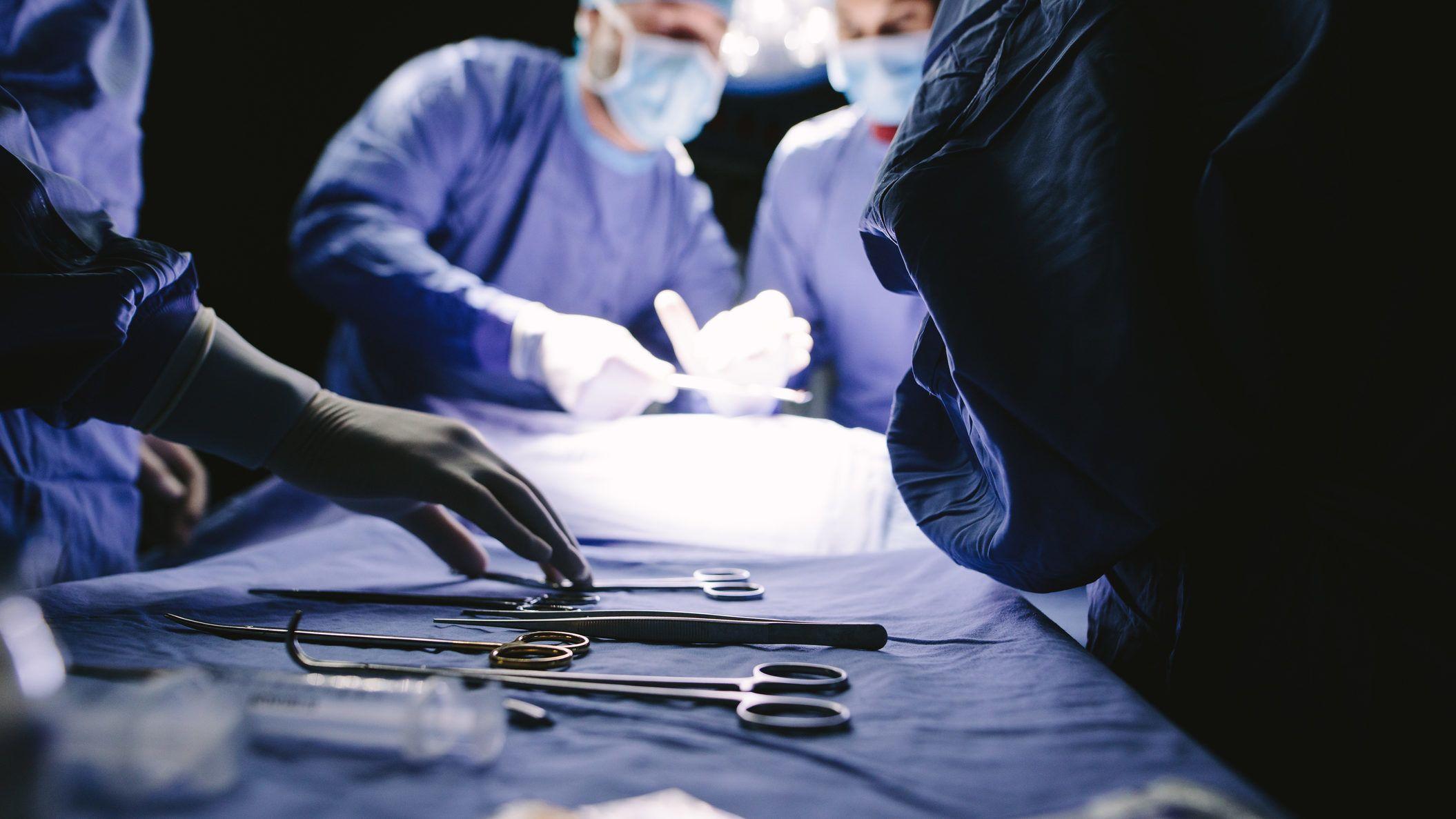 egyedi péniszműtét