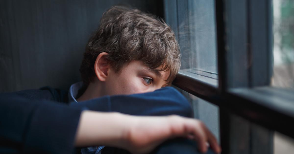 merevedés egy 8 éves fiúnál