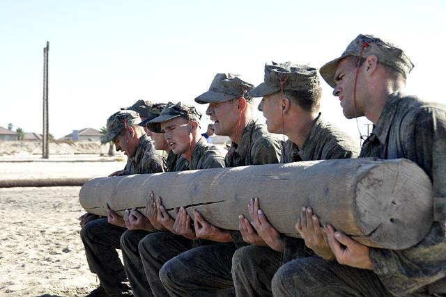 Pénisz miatt kértek elnézést a katonák